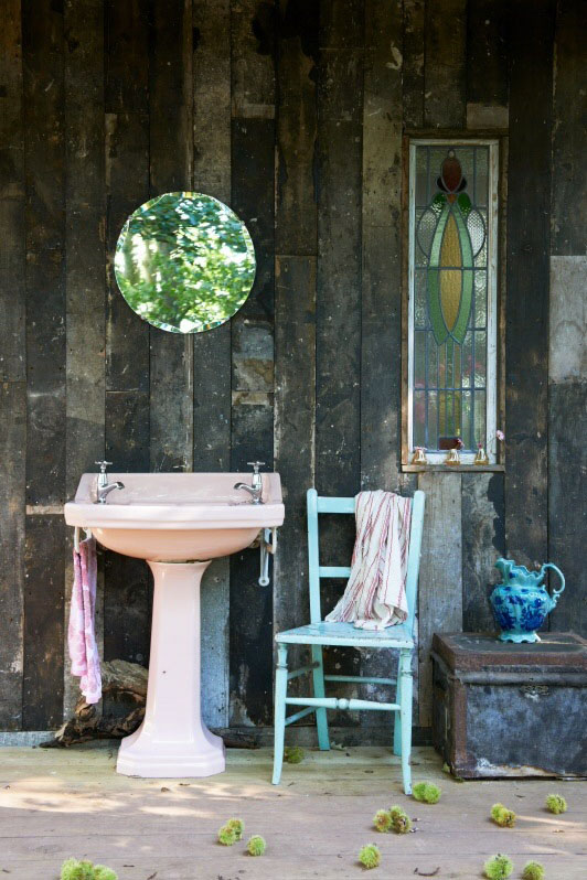 Pink Sink Autumn Scene at Mad Dogs & Vintage Vans Glamping Site